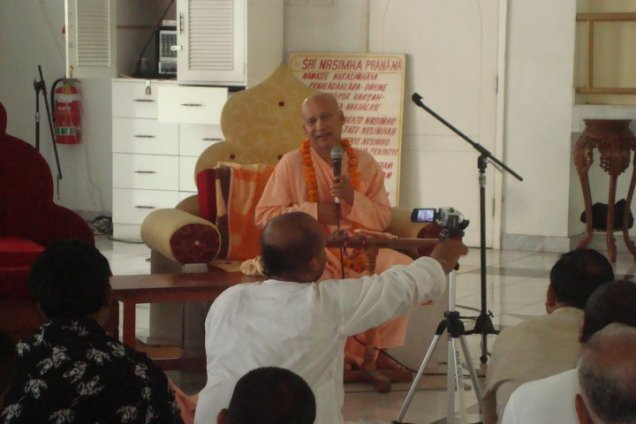 HH. Subhag Maharaj (2010)