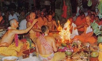 Back-To-Godhead-Yasodanandana-Swami-Leads-A-Sacrifice-Inaugurating-The-Fiji-Temple